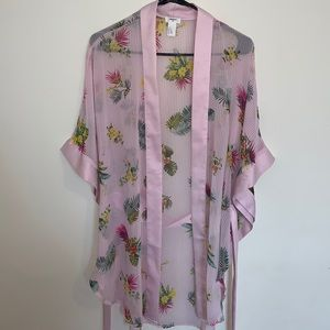 Forever 21 Pink Floral Print Robe Size L